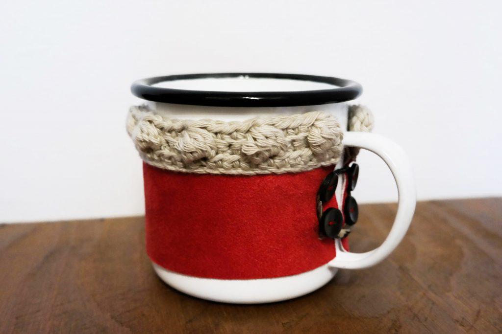 DIY Tassenwärmer, selber machen, DIY Tassen, DIY Geschenke, DIY Tassenmanschette, DIY Tassensleeve, Vara-Kreativa