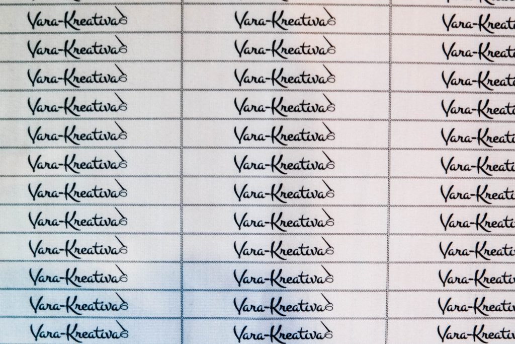 DIY Gepunktete Bluse nähen Vara-Kreativa