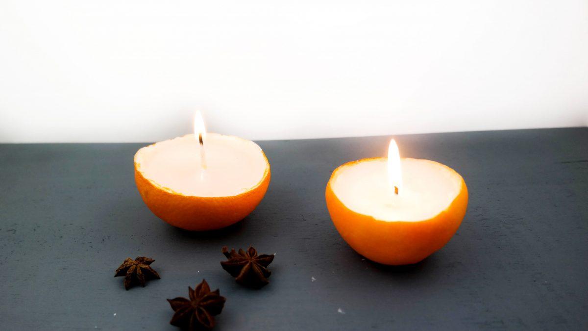 Kerze in einer Orangenschale, Orangenkerze, Zitronenkerze, Kerze gießen, Orange upcyceln, DIY Wohnen, DIY Upcycling, DIY Dekoration, DIY Winter, Vara-Kreativa